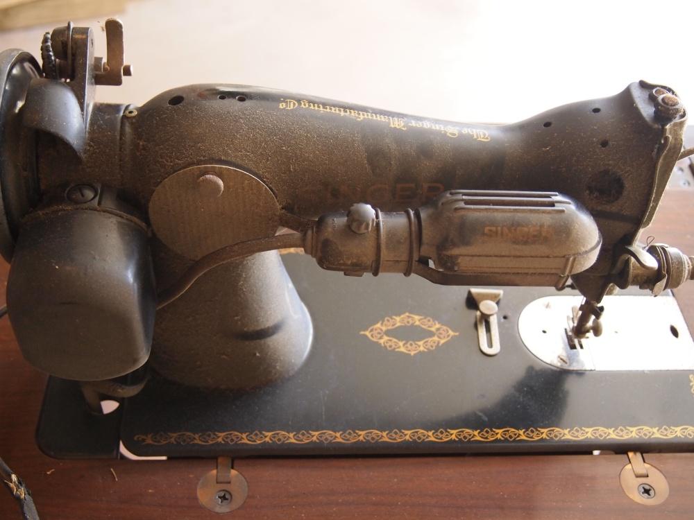 My 1953 Singer Model 15-91 (4/6)